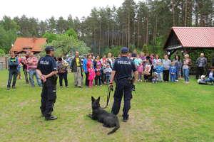 Pies służbowy Puma odwiedził przedszkolaków z Nowin