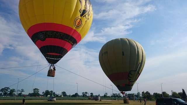 Festiwal Balonowy w Dywitach. Darmowe loty balonami na uwięzi, katapulta ludzka i inne atrakcje  - full image