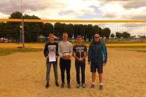 Wielbark i Dźwierzuty jadą na Finały Wojewódzkie w Siatkówce Plażowej Dziewcząt i Chłopców