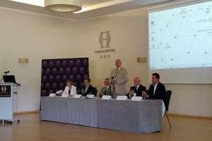 Szanse i zagrożenia życia w społeczeństwie XXI wieku. Konferencja w Olsztynie