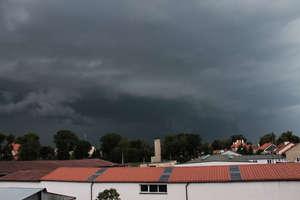 IMGW ostrzega: nadchodzą burze nad Warmię i Mazury