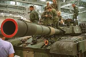 Czołgi, helikoptery, transportery. Targi Pro Defense 2016 w Ostródzie [FILMY]