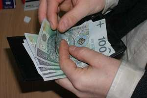 Ukradli pieniądze w aptece