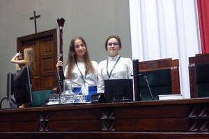 Młode parlamentarzystki z ostródzkiego Ekonomika