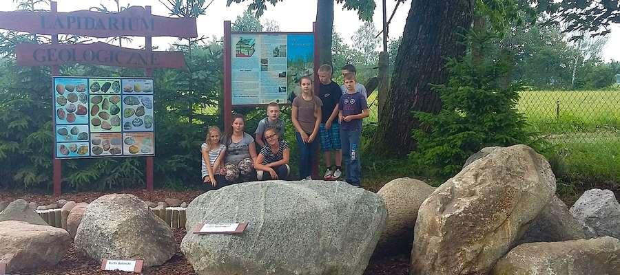 Otwarcie lapidarium geologicznego w Błudowie