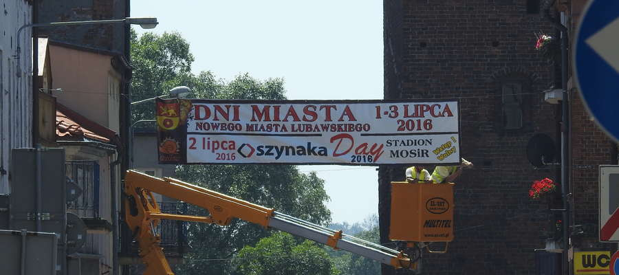 W Nowym Mieście Lubawskim pojawiły się banery reklamujące Dni Nowego Miasta Lubawskiego i Szynaka Day