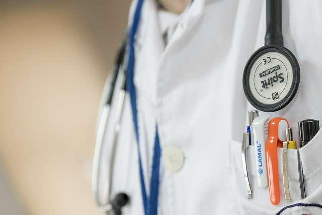 Lekarze do wojewody warmińsko-mazurskiego: prosimy o podjęcie starań w sprawie funkcjonowania poradni specjalistycznych - full image