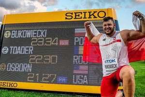 Obronił tytuł Mistrza Świata, ustanowił nowy rekord