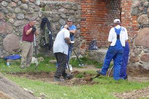 W ruinach zamku w Szczytnie odkryto ślady osady sprzed ponad 2500 lat