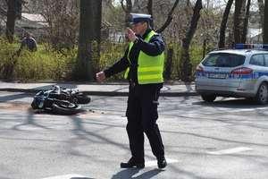 Motocyklista przewrócił się na jezdni. Miał ponad 2 promile