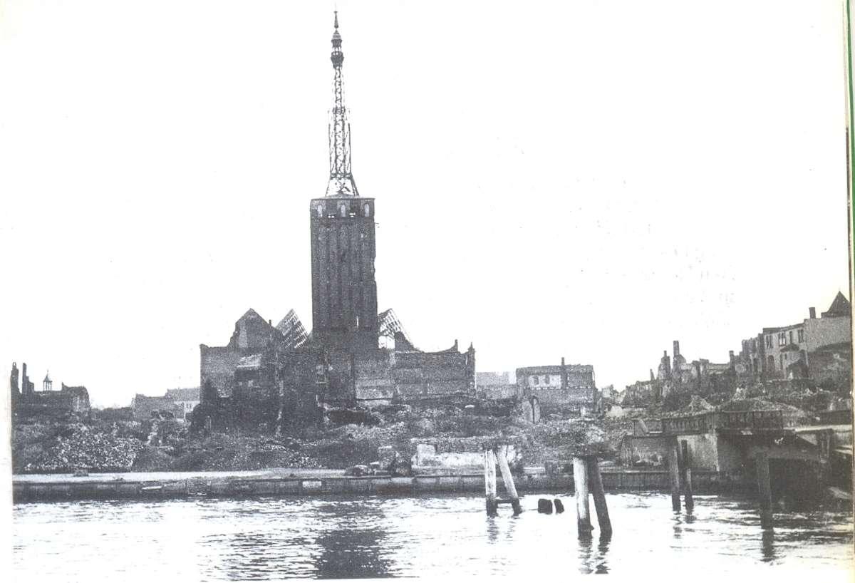 Tak wyglądało Stare Miasto w Elblągu trzynaście lat po wojnie, dokładnie w 1953 roku  - full image