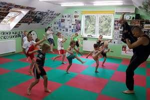 Wakacje z kickboxingiem — nadal można dołączyć do grupy