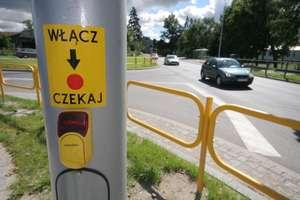 Koronawirus: Czy piesi w Olsztynie wciąż muszą dotykać przycisków przy przejściach?