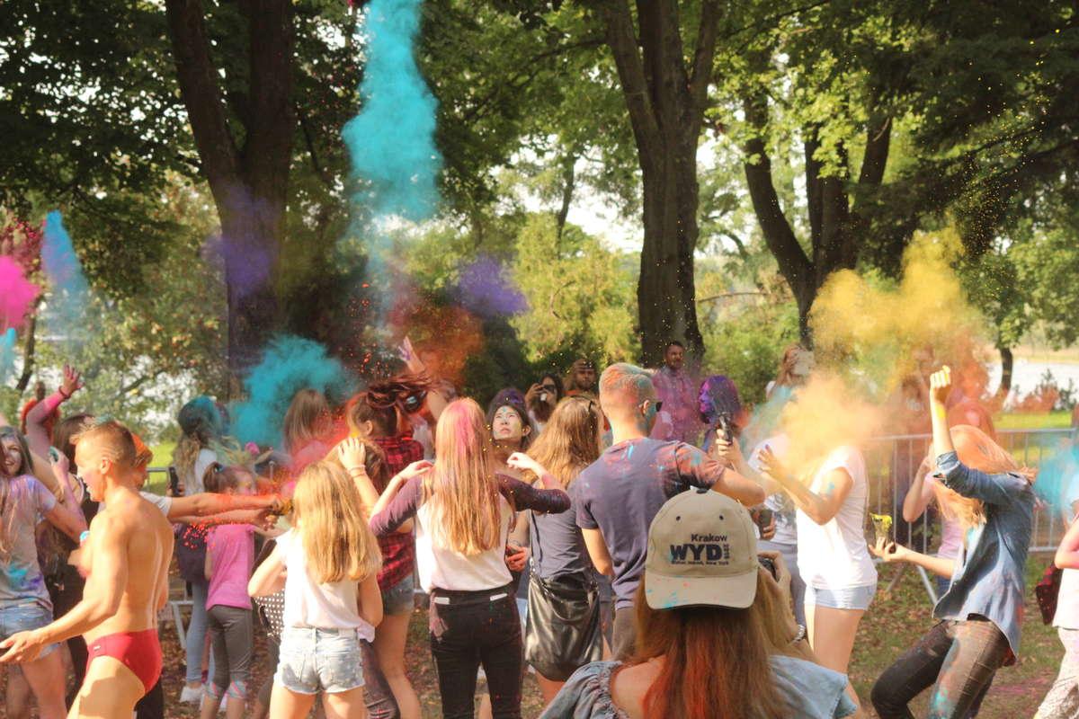 Festiwal Holi w Olsztynie. Zobacz barwne zdjęcia! - full image