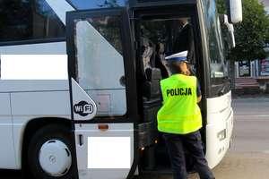 """Policjanci szczycieńskiej """"drogówki"""" przeprowadzili działania """"Gimbus"""""""