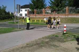 """Policjanci rozpoczęli działania """"Bezpieczna droga do szkoły"""""""