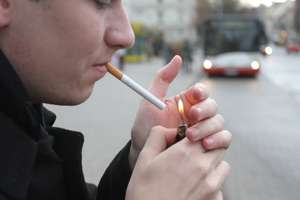 Planują zmiany w kodeksie pracy. Przez przerwę na papierosa będziemy dłużej pracować?