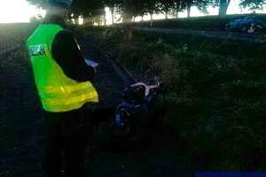 Czołowe zderzenie motocykla z osobówką. Ciężko ranne małżeństwo