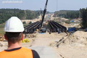 Trwa budowa estakady na S51. Zobacz zdjęcia z placu budowy!