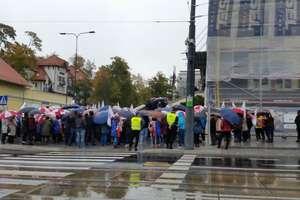 Protest nauczycieli w Olsztynie. ZNP przeciw reformie oświaty