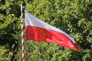 Dzisiaj Dzień Flagi. Jak postępować z flagą narodową?