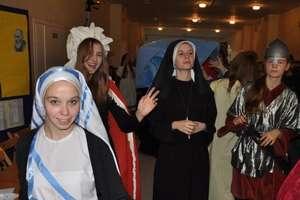 Bal Wszystkich Świętych u gimnazjalistów