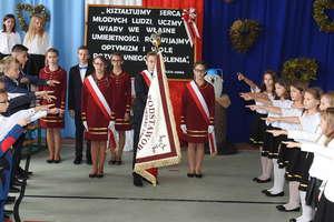 Imię Kawalerów Orderu Uśmiechu nosi teraz szkoła w Tereszewie