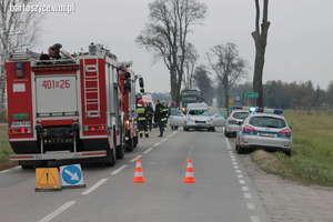 Tragiczny wypadek na DK 51 pod Bartoszycami. Mercedesem wjechał w dwóch chłopców, jeden nie żyje