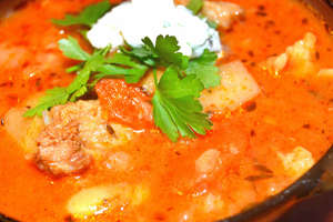 Karmuszka, warmińsko-mazurska zupa gulaszowa