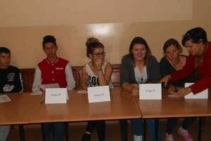 """W """"Ekonomiku"""" wybierali samorząd Młodzieżowej Rady Internatu"""