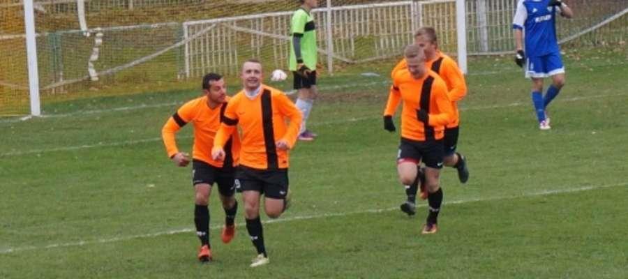Piłkarze MKS-u w meczu z Granicą mieli powody do radości. Czy podobnie będzie w Reszlu?