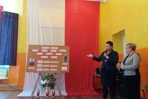 Uczniowie z Krawczyk pamiętali o walczących o niepodległość