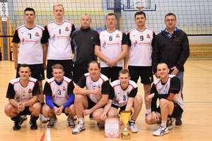 Strażacy wygrali 19. turniej służb mundurowych w siatkówce
