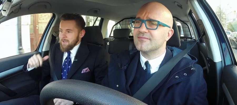 Samochodowy savoir vivre, czyli o dobrych manierach podczas podróży autem
