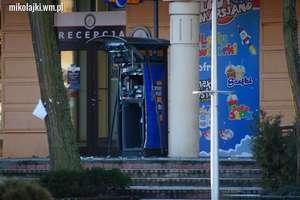Wysadzili bankomat w Mikołajkach. Trwają poszukiwania
