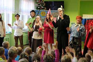 Spektakl w wykonaniu grupy teatralnej Fantazja