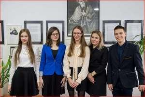 Laury dla licealistów w konkursach norwidowskich
