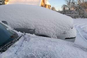 Mokry śnieg łamał drzewa. Lidzbark i Rybno bez prądu. Zima zaatakowała