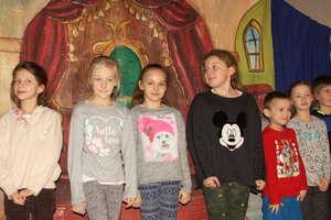 Spektakl i spotkanie z Mikołajem w Wilkasach