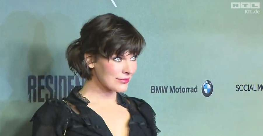 Milla Jovovich na premierze filmu Resident Evil: Ostatni rozdział - full image