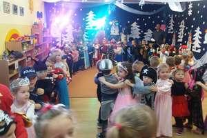 Zabawa karnawałowa w Przedszkolu Nr 2 w Bartoszycach [ZDJĘCIA]