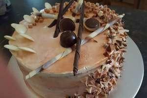 Walentynkowy tort czekoladowy