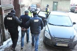 Lider gangu pruszkowskiego zatrzymany pod Olsztynem [FILM]