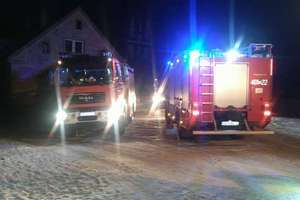 Strop domu w Unikowie zapalił się od komina