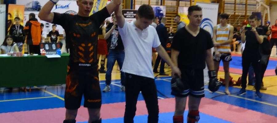 Z lewej Sebastian Kuźniak (Bartoszycka Szkoła Taekwon-do)