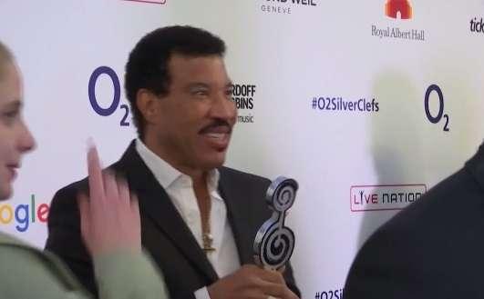 Lionel Richie i Mariah Carey przesunęli trasę koncertową - full image