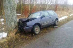 Na prostej drodze Sokolica - Gruda uderzył w drzewo