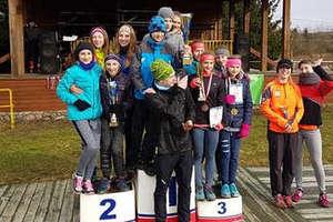 Biegaczki MLKS Ostróda z dwoma medalami z mistrzostw przełajowych