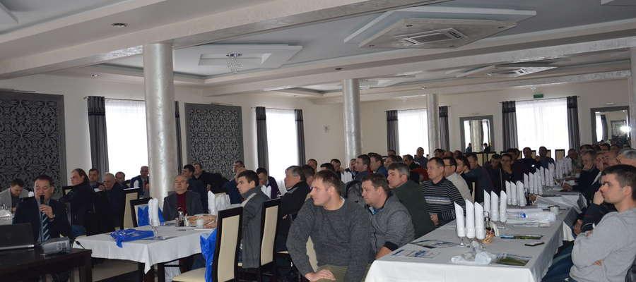 W Tyszowcach w województwie lubelskim na spotkaniu Cedrobu było blisko osiemdziesięciu rolników