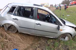 Dramatyczny wypadek w Wonnej. Trzy młode osoby w szpitalu